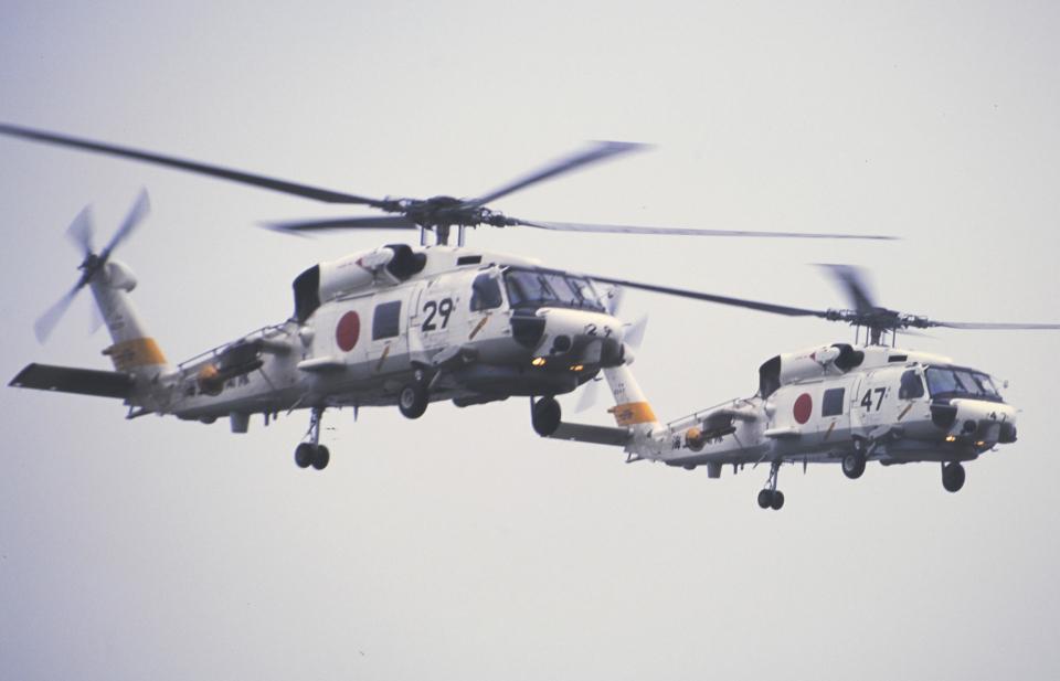 チャーリーマイクさんの海上自衛隊 Mitsubishi SH-60J (8229) 航空フォト