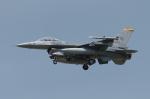 NOTE00さんが、三沢飛行場で撮影したアメリカ空軍 F-16CM-50-CF Fighting Falconの航空フォト(写真)