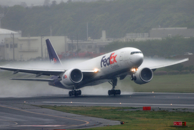 gucciyさんが、成田国際空港で撮影したフェデックス・エクスプレス 777-FS2の航空フォト(飛行機 写真・画像)
