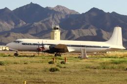 TKBKさんが、フェニックス・グッドイヤー空港で撮影した不明 DC-7C Seven Seasの航空フォト(写真)