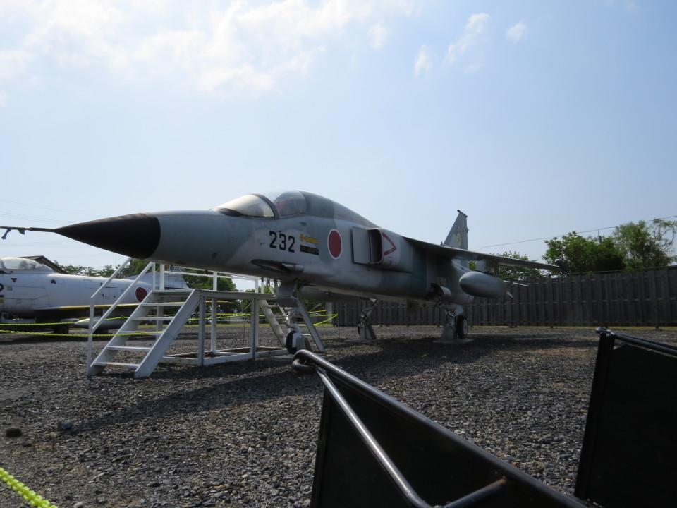 神宮寺 彩さんの航空自衛隊 Mitsubishi F-1 (90-8232) 航空フォト