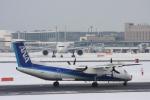 ATOMさんが、新千歳空港で撮影したANAウイングス DHC-8-402Q Dash 8の航空フォト(写真)