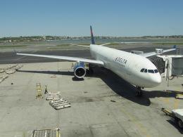 おじゃるまるさんが、ジェネラル・エドワード・ローレンス・ローガン国際空港で撮影したデルタ航空 A330-323Xの航空フォト(飛行機 写真・画像)
