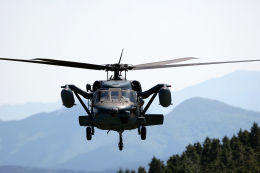 AkiChup0nさんが、笠取山分屯基地で撮影した航空自衛隊 UH-60Jの航空フォト(写真)