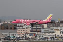 はまちさんが、福岡空港で撮影したフジドリームエアラインズ ERJ-170-200 (ERJ-175STD)の航空フォト(飛行機 写真・画像)