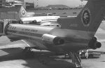 チャーリーマイクさんが、伊丹空港で撮影した全日空 727-281の航空フォト(写真)