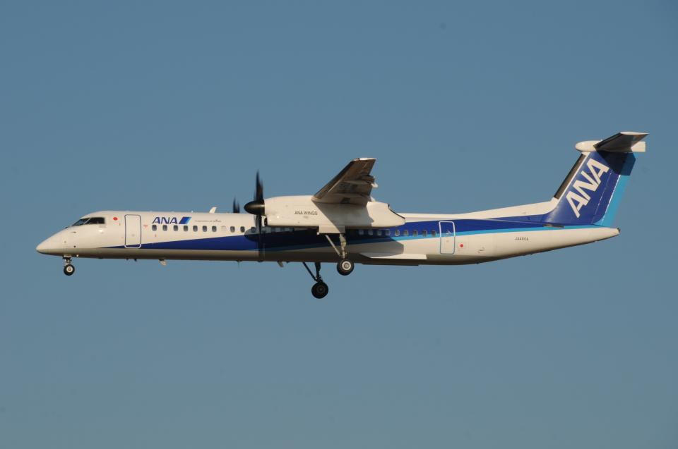 tassさんのANAウイングス Bombardier DHC-8-400 (JA460A) 航空フォト