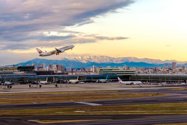 JA805Aさんが、羽田空港で撮影したJALエクスプレス 737-846の航空フォト(飛行機 写真・画像)