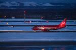 xxxxxzさんが、新千歳空港で撮影したオーロラ 737-5L9の航空フォト(飛行機 写真・画像)