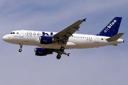 IR801さんが、ドバイ国際空港で撮影したエア・ブルー A319-111の航空フォト(飛行機 写真・画像)