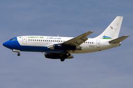IR801さんが、ドバイ国際空港で撮影したジプチ・エア 737-230/Advの航空フォト(飛行機 写真・画像)