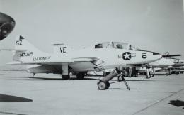 TKOさんが、福岡空港で撮影したアメリカ海兵隊 F9F-4の航空フォト(飛行機 写真・画像)