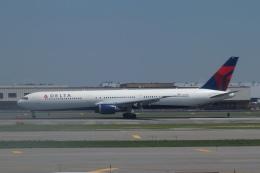 pringlesさんが、ジョン・F・ケネディ国際空港で撮影したデルタ航空 767-432/ERの航空フォト(飛行機 写真・画像)