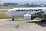 まぁぼーさんが、小松空港で撮影した日本航空 777-246の航空フォト(飛行機 写真・画像)