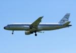 じーく。さんが、ハンブルク空港で撮影したコンドル A320-212の航空フォト(写真)