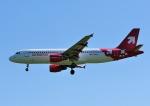 じーく。さんが、ハンブルク空港で撮影したエア・ベルリン A320-214の航空フォト(飛行機 写真・画像)