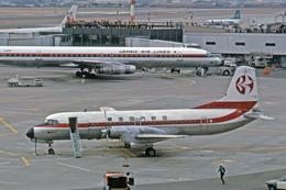 Gambardierさんが、伊丹空港で撮影した東亜国内航空 YS-11-109の航空フォト(写真)