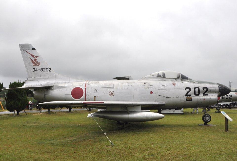 チャーリーマイクさんの航空自衛隊 North American F-86 Sabre (04-8202) 航空フォト