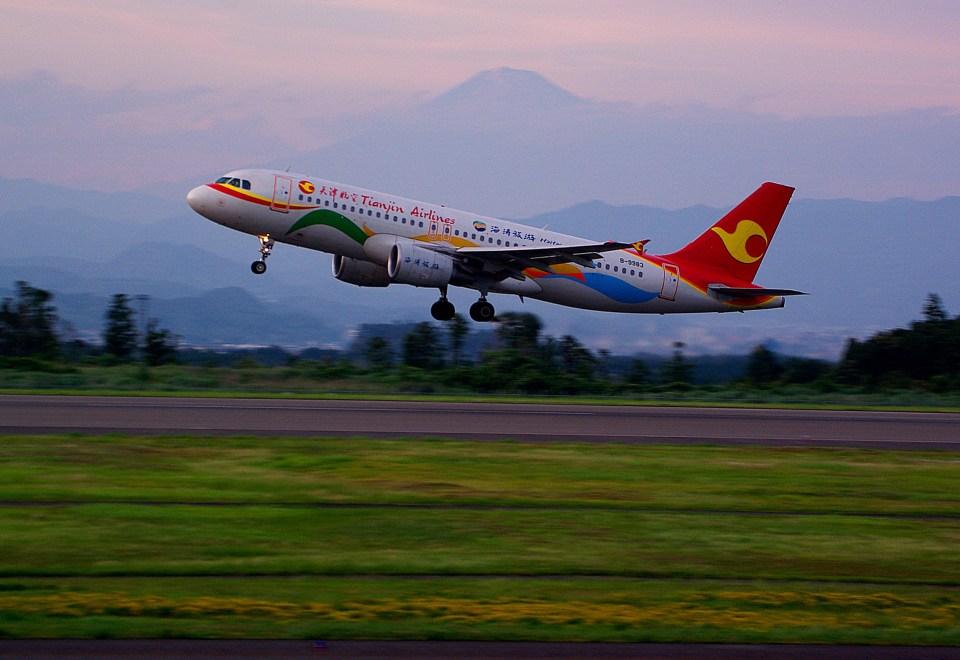 rjnsphotoclub-No.07さんの天津航空 Airbus A320 (B-9983) 航空フォト