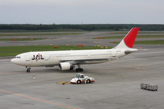 ATOMさんが、新千歳空港で撮影した日本航空 A300B4-622Rの航空フォト(飛行機 写真・画像)