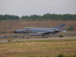 自由猫さんが、小松空港で撮影した航空自衛隊 F-4EJ Kai Phantom IIの航空フォト(写真)