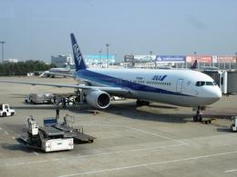 toyokoさんが、杭州蕭山国際空港で撮影した全日空 767-381/ERの航空フォト(飛行機 写真・画像)