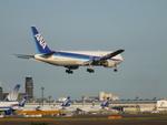 toyokoさんが、成田国際空港で撮影した全日空 767-381/ERの航空フォト(写真)