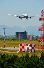 Dojalanaさんが、函館空港で撮影した全日空 767-381/ERの航空フォト(写真)