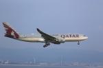 T.Sazenさんが、関西国際空港で撮影したカタール航空 A330-202の航空フォト(飛行機 写真・画像)