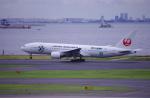TakahitoIkawaさんが、羽田空港で撮影した日本航空 777-246の航空フォト(写真)