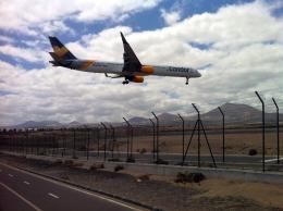 gomaさんが、ランサローテ国際空港で撮影したコンドル 757-330の航空フォト(飛行機 写真・画像)