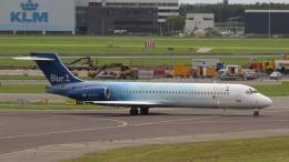 誘喜さんが、アムステルダム・スキポール国際空港で撮影したブルーワン 717-2CMの航空フォト(飛行機 写真・画像)