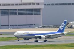 こずぃろうさんが、羽田空港で撮影した全日空 767-381の航空フォト(飛行機 写真・画像)