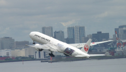 こずぃろうさんが、羽田空港で撮影した日本航空 777-346/ERの航空フォト(飛行機 写真・画像)