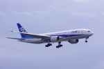 TakahitoIkawaさんが、羽田空港で撮影した全日空 777-281/ERの航空フォト(写真)