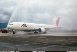 台北松山空港 - Taipei Songshan Airport [TSA/RCSS]で撮影された日本航空 - Japan Airlines [JL/JAL]の航空機写真