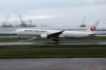 アイスコーヒーさんが、那覇空港で撮影した日本航空 777-346の航空フォト(写真)