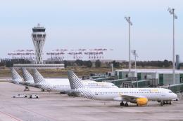 航空フォト:EC-KHN ブエリング航空 A320