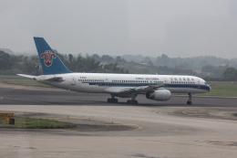 xingyeさんが、長沙黄花国際空港で撮影した中国南方航空 757-2Y0の航空フォト(飛行機 写真・画像)