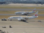 ハピネスさんが、羽田空港で撮影したJALエクスプレス 737-846の航空フォト(飛行機 写真・画像)