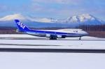 中村 昌寛さんが、新千歳空港で撮影した全日空 747-481(D)の航空フォト(写真)