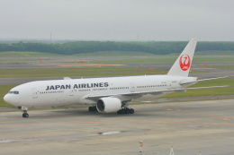 中村 昌寛さんが、新千歳空港で撮影した日本航空 777-246の航空フォト(飛行機 写真・画像)