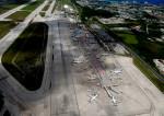 Dojalanaさんが、アントニオ・B・ウォン・パット国際空港で撮影したユナイテッド航空の航空フォト(写真)