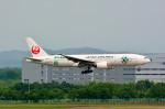 Dojalanaさんが、新千歳空港で撮影した日本航空 777-246の航空フォト(写真)