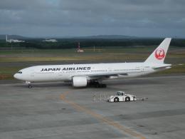 bearさんが、新千歳空港で撮影した日本航空 777-246の航空フォト(飛行機 写真・画像)