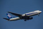 くるくもるさんが、羽田空港で撮影した全日空 767-381/ERの航空フォト(写真)