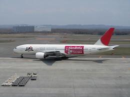 bb212さんが、新千歳空港で撮影した日本航空 777-246の航空フォト(飛行機 写真・画像)