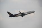 ANA744Foreverさんが、成田国際空港で撮影したUPS航空 767-34AF/ERの航空フォト(写真)