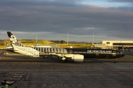 scene_Bさんが、オークランド国際空港で撮影したニュージーランド航空 777-319/ERの航空フォト(飛行機 写真・画像)
