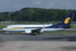 よっしぃさんが、シンガポール・チャンギ国際空港で撮影したジェットエアウェイズ 737-85Rの航空フォト(飛行機 写真・画像)